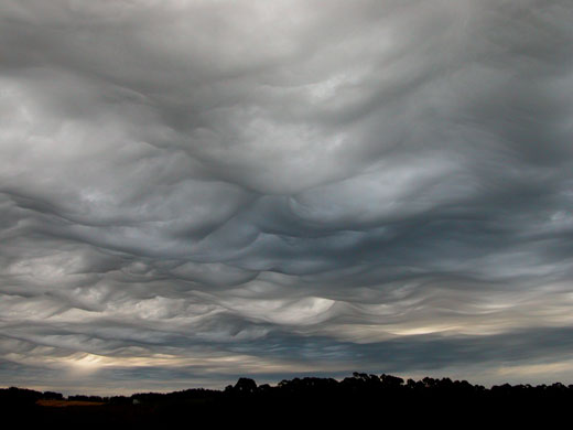 1-asperatus-cloud-over-burn-003