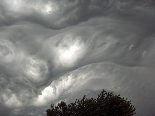 1-asperatus-cloud-over-east-007-1