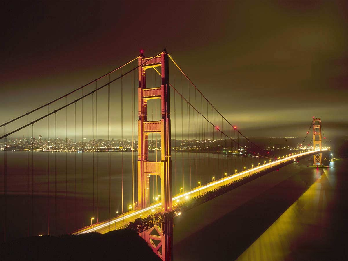 San_Francisco's_Golden_Gate_bridge_at_night