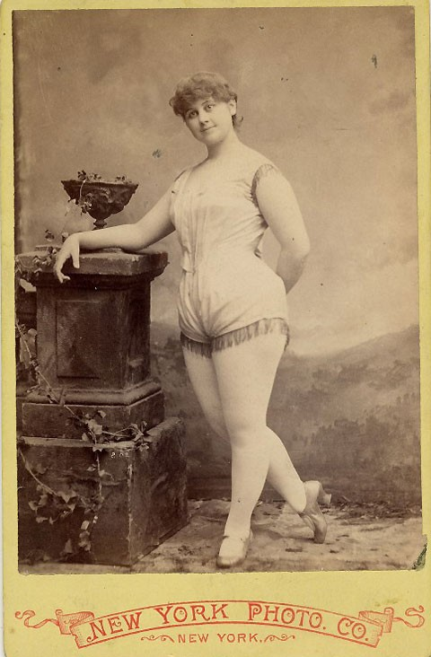 1890-exotic-dancer-1