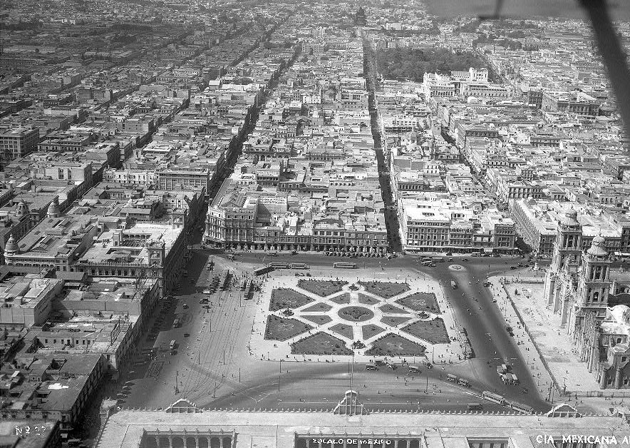 Zocalo1930panorD
