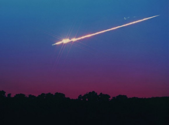 MeteorFireball_breakup_ChumackS-580x429