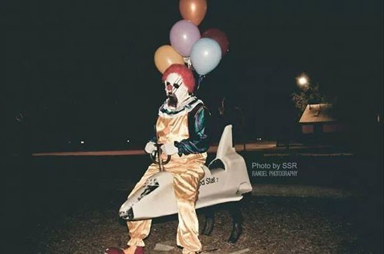 wasco-clown-photos-sightings-california-who-instagram-art-project6_2014-10-14_03-19-06