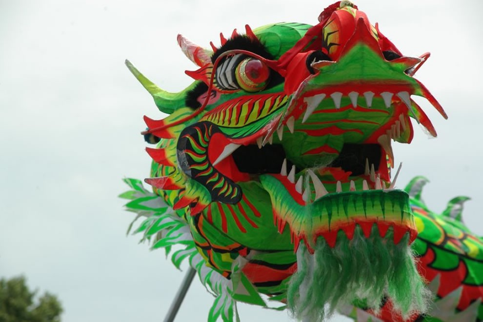 Chinese-dragon-in-a-dragon-dance