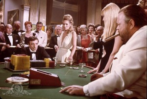 17_still-of-orson-welles,-ursula-andress-and-peter-sellers-in-casino-royale-james-bond-007!-(1967)