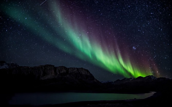aurora-borealis-nature-hd-wallpaper-1920x1200-10227-670x418