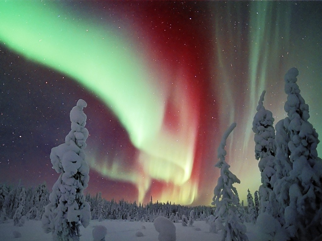 aurora_borealis_lapland_finland_-_aurora_borealis_space_wallpapers_hd