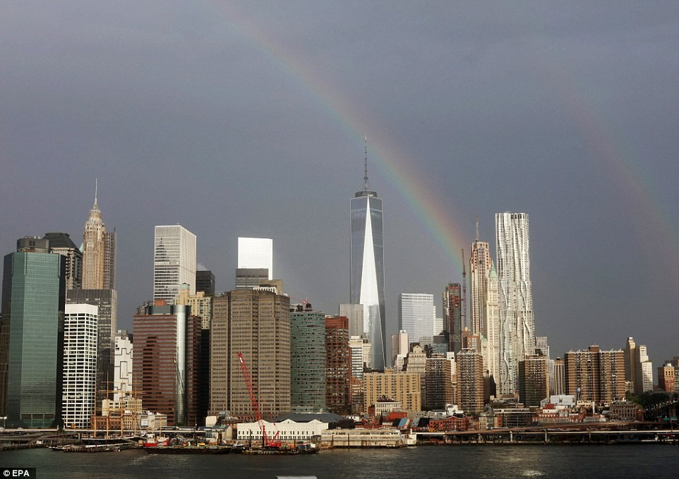 2C2E8AE700000578-3230784-Stunning_The_photo_above_shows_a_rainbow_appearing_over_the_Free-a-20_1441979293337