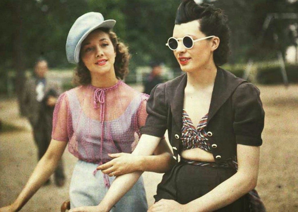 Parisian Women from between 1930s and 1940s (1)