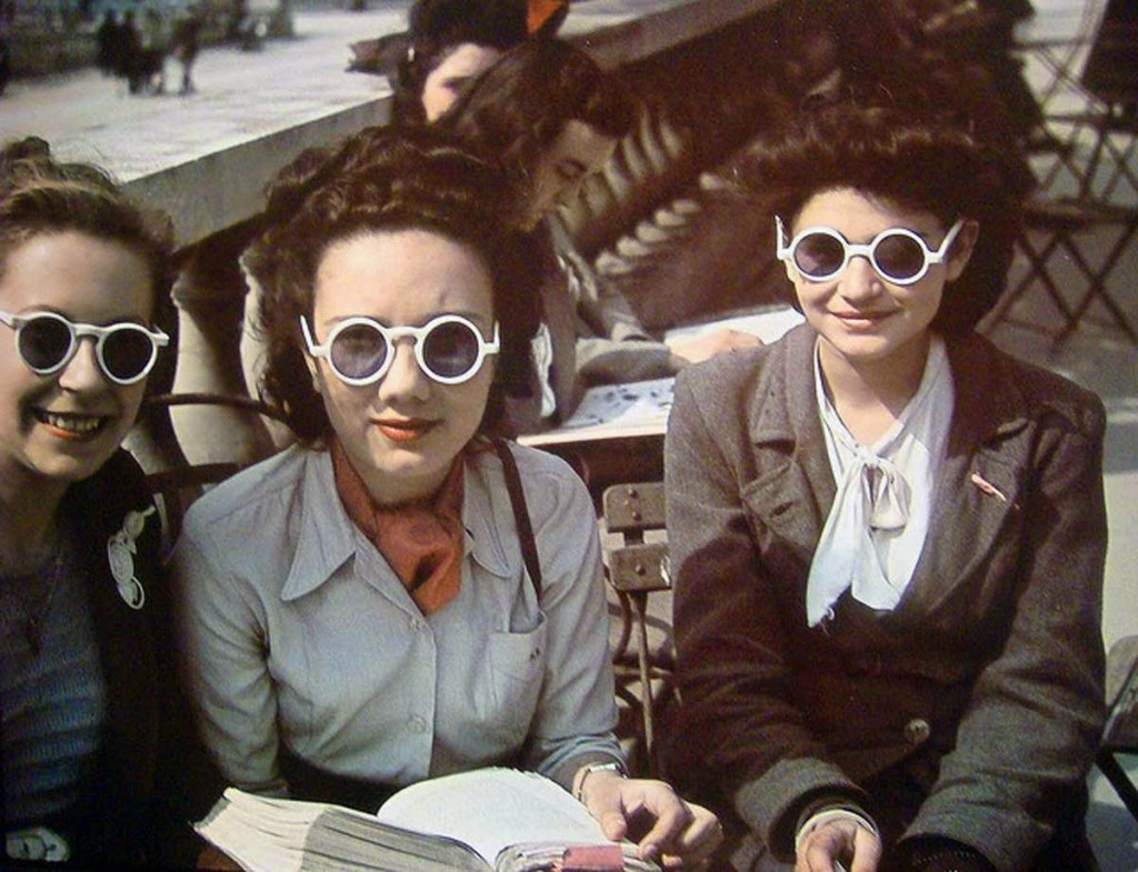 Parisian Women from between 1930s and 1940s (4)